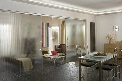 Двери изготовленные из матового-непрозрачного стекла