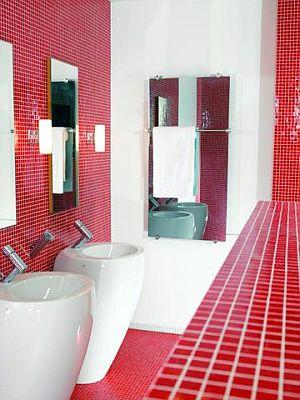 Обогреватель из стекла, в ванной комнате