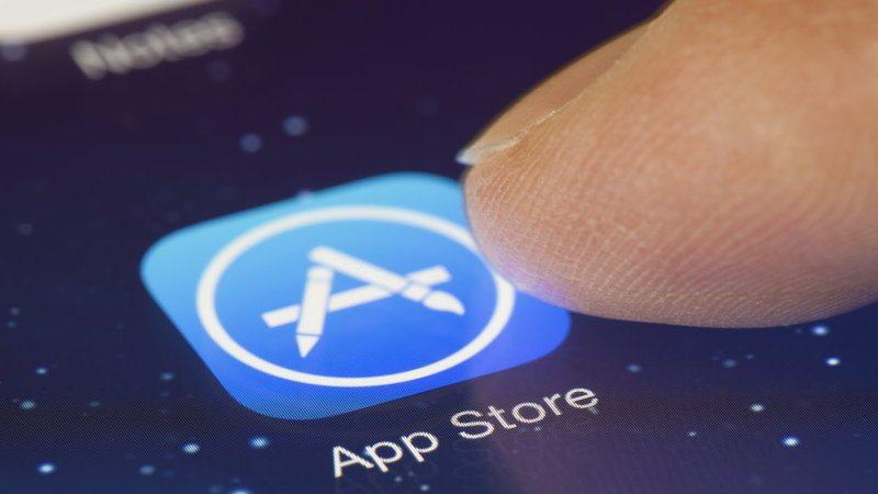 Apple удаляет из App Store приложения шпионы