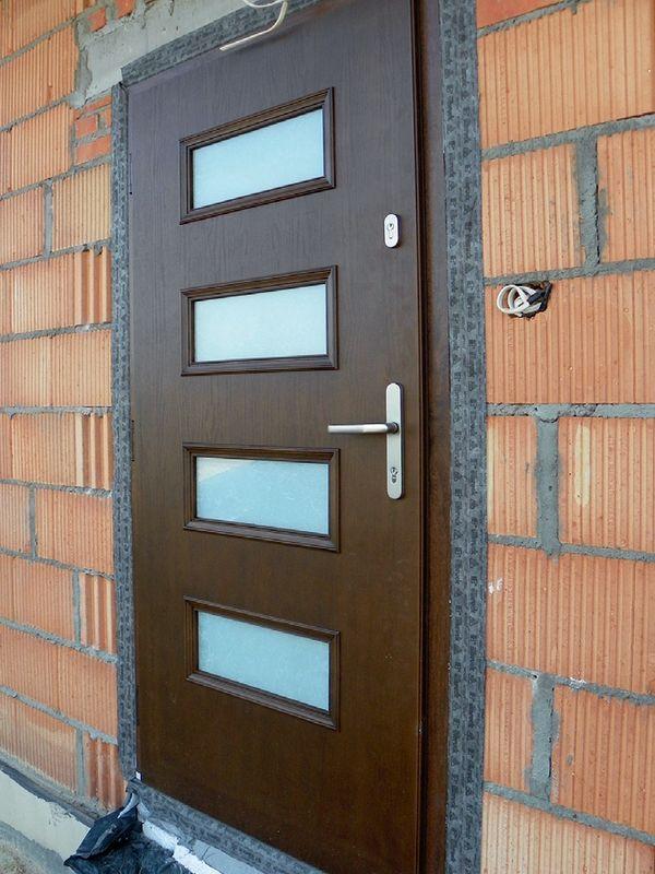 Правильно установленные наружные двери