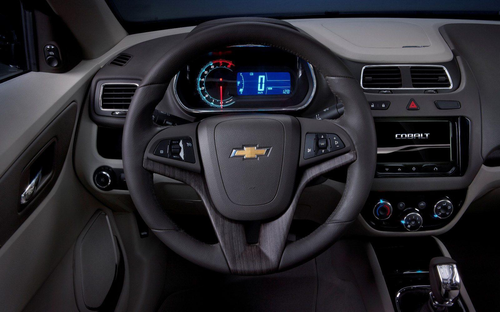 Chevrolet-Cobalt-Concept_13