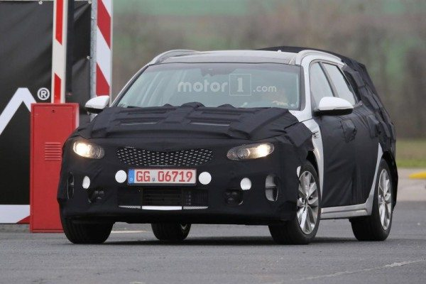 kia-optima-sw-spy-photo-1