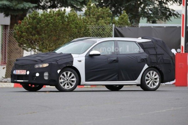 kia-optima-sw-spy-photo-2