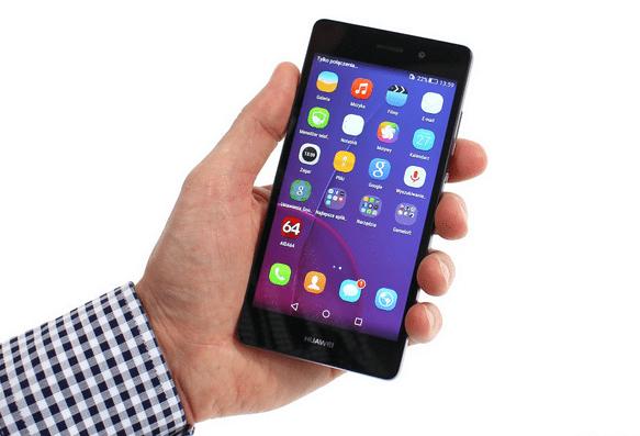 смартфон в руке фото