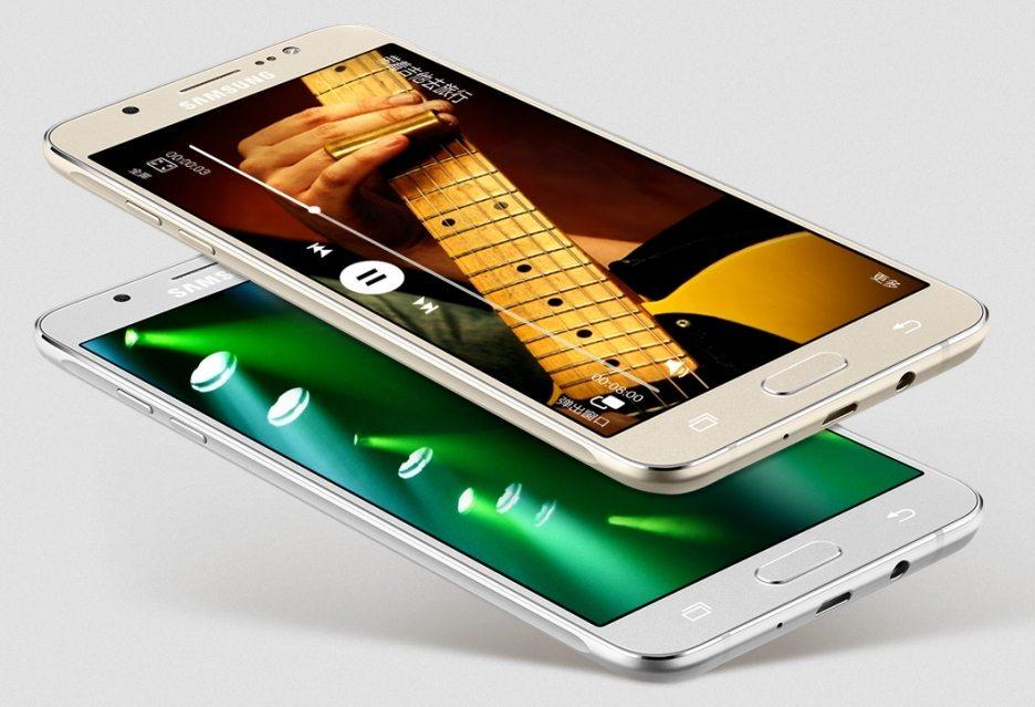 Samsung Galaxy J7 (2016) и Galaxy J5 (2016) официально