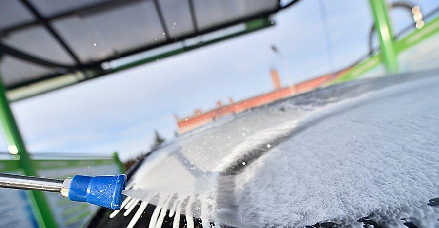 nanesenie-avtomobilnogo-shampunya