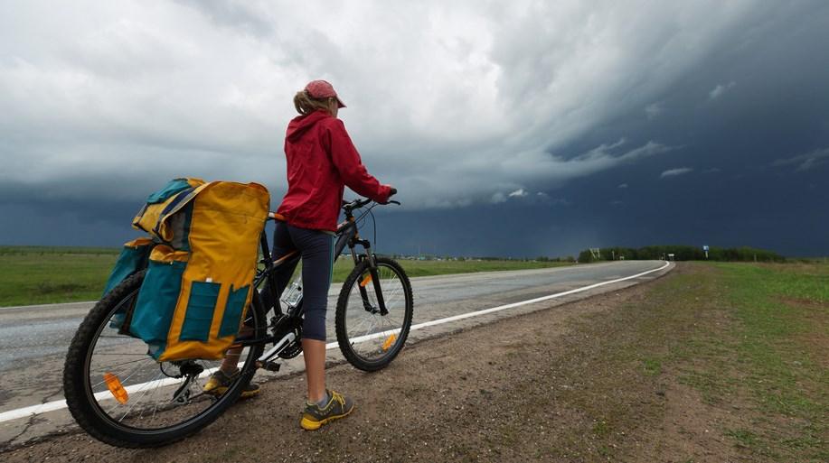 Подготовьте себя и свой велосипед к дождю