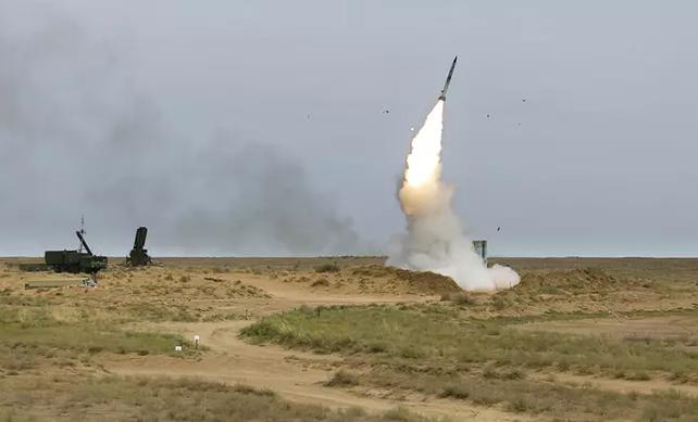 Ракеты с-400 на границе с Украиной приведены в полную боевую готовность
