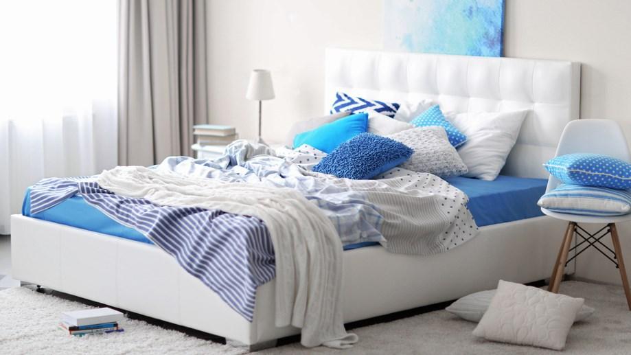 Украшение спальни в синий цвет