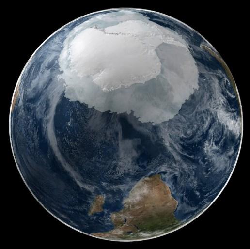 Вид на Антарктиду из космоса