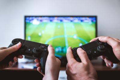 Какой телевизор выбрать для игровой приставки