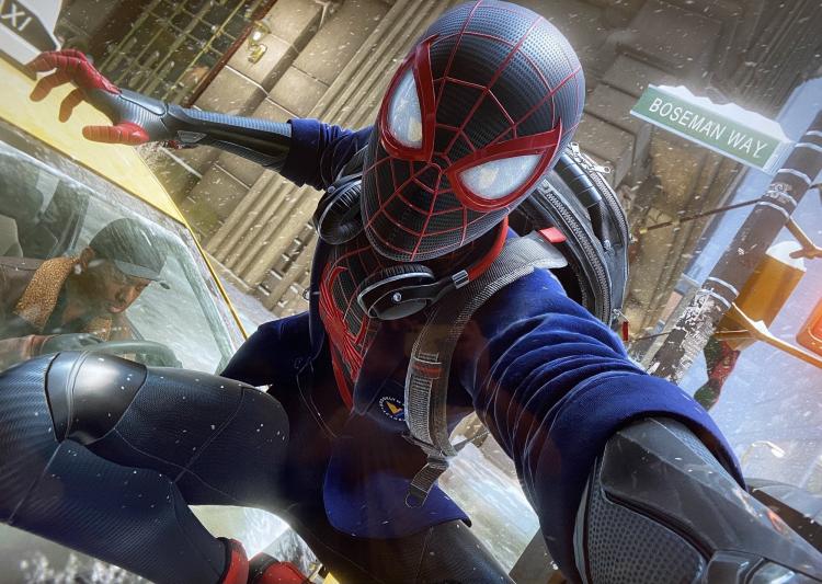 Одну из улиц в Spider-Man: Miles Morales назвали в честь покойного актёра «Чёрной пантеры» Чедвика Боузмана
