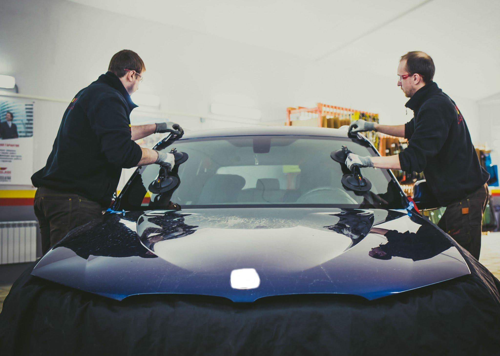 Замена автомобильного стекла в Carglass