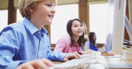 Интересные и полезные курсы программирования для детей Киев в центре DAN.IT