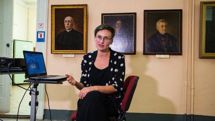 Искусствовед заявила о нападении депутата который коллекционирует советские скульптуры