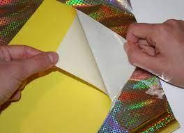 Как правильно выбрать самоклеющуюся бумагу